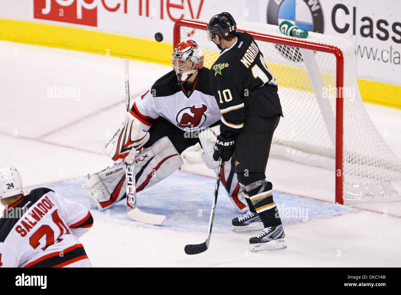 size 40 34357 3739f Oct. 29, 2011 - Dallas, Texas, US - A puck flies by New ...
