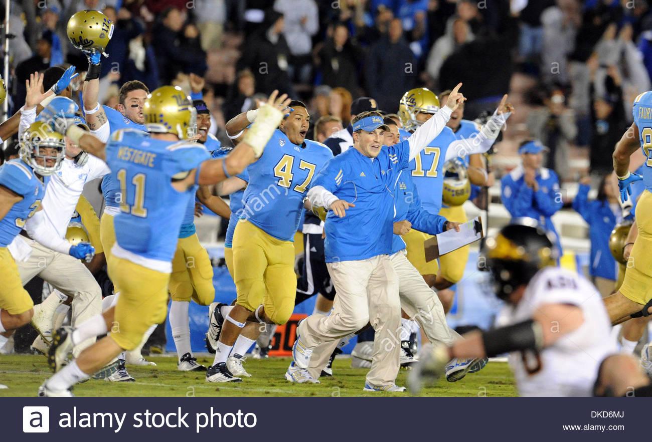 Nov. 05, 2011 - Pasadena, California, U.S. - UCLA's celebrates after beating Arizona State 29-28 during an NCAA college football game in Pasadena, Calif., on Saturday, Nov. 5, 2011. .(SGVN/Staff Photo by Keith Birmingham/SPORTS) (Credit Image: © San Gabriel Valley Tribune/ZUMAPRESS.com) - Stock Image