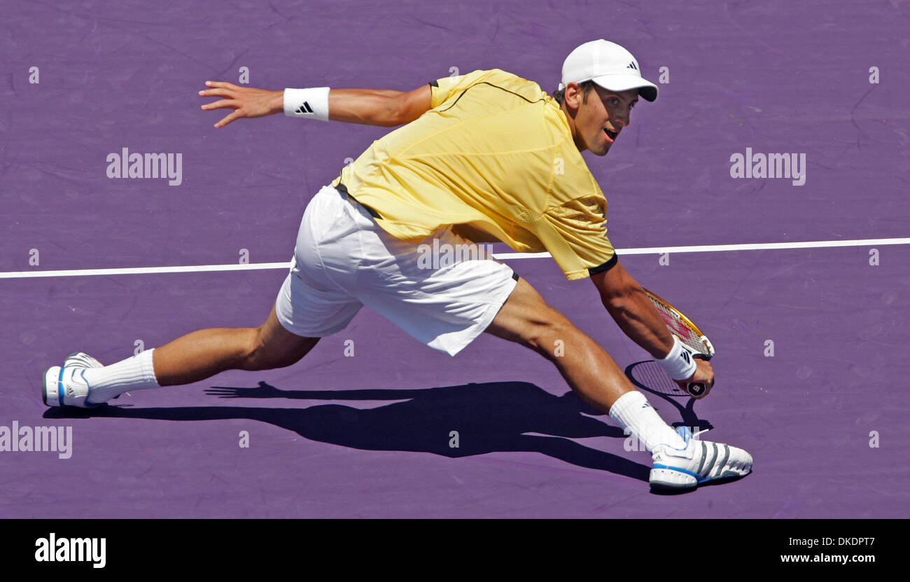 Mar 31, 2007 - Key Biscayne, FL, USA - Sony Ericsson Open at Crandon Park. NOVAK DJOKOVIC reachs for a volley. Djokovic defeated Guillermo Canas 6-3, 6-2, 6-4 in the mens' final. (Credit Image: © Allen Eyestone/Palm Beach Post/ZUMA Press) RESTRICTIONS: USA Tabloid RIGHTS OUT! - Stock Image