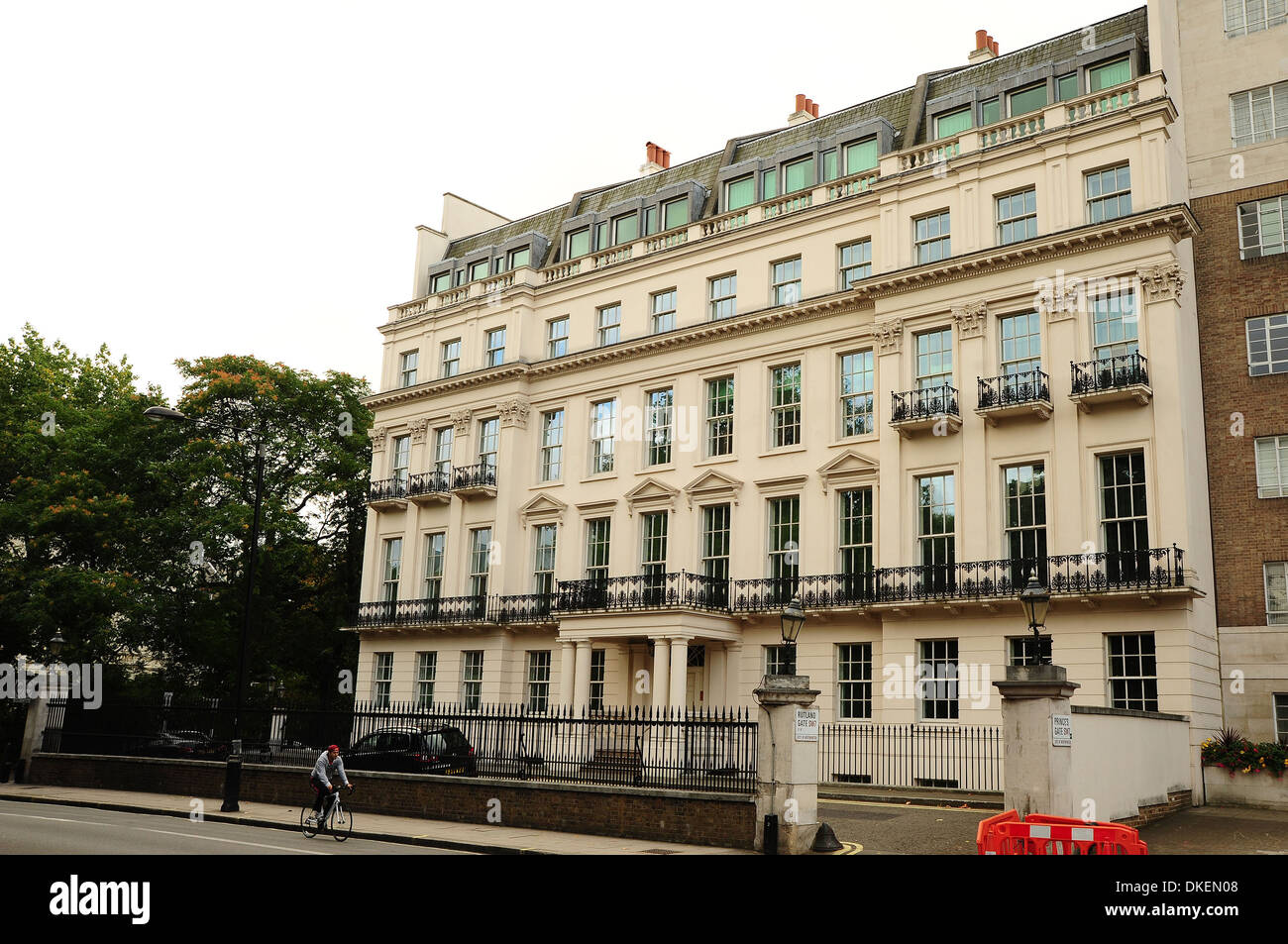 A House In Knightsbridge Overlooking Hyde Park Is Up For Sale For Stock Photo Alamy
