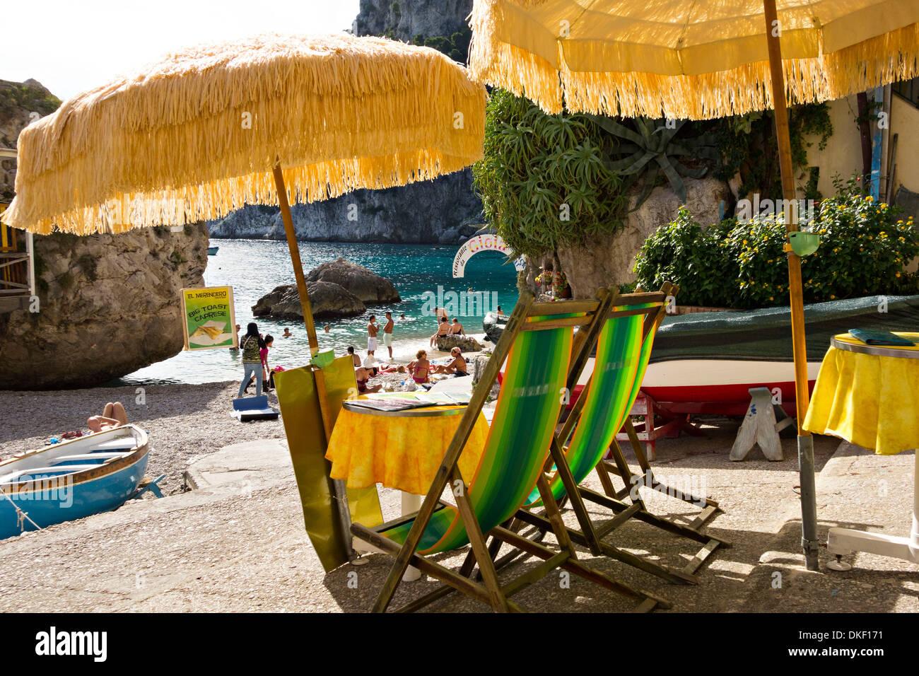 Walk the walk in #Capri To discover more stunning scenes ...  |Capri Beach Scenes