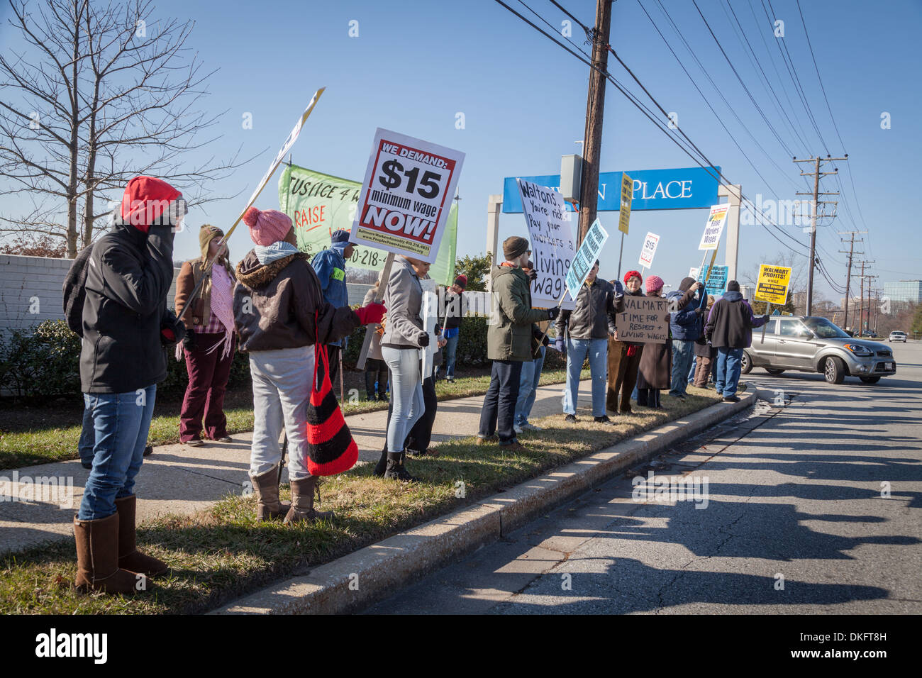 Black Friday anti-Walmart protest, supporting living wage, Towson, Maryland, Baltimore County. - Stock Image