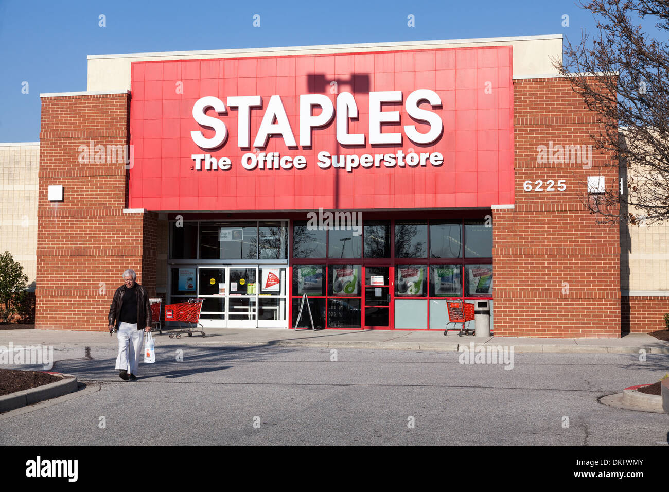 Staples Office Superstore box store, Columbia, Maryland, Howard County - Stock Image