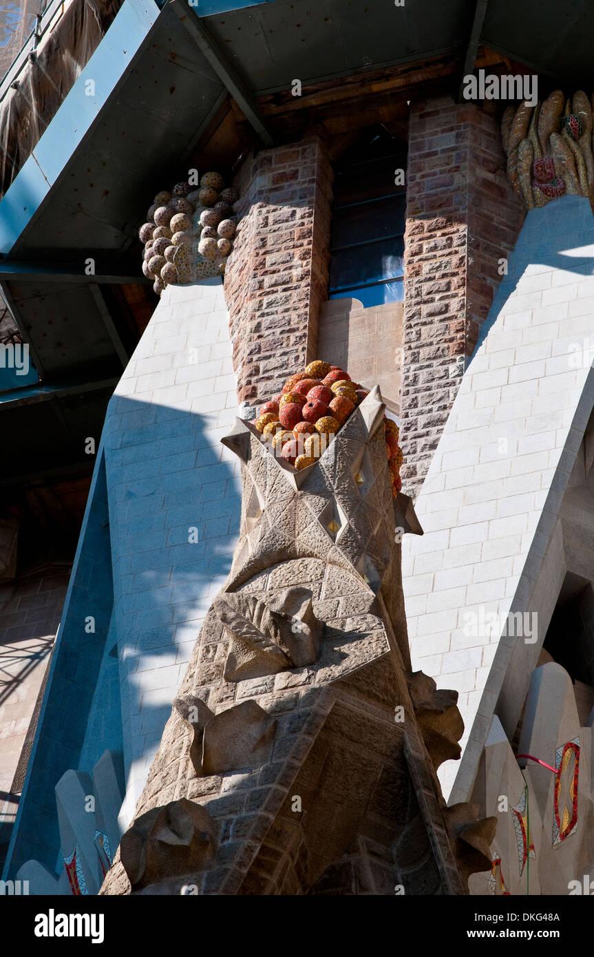 Sculptural detail od spire, Sagrada Familia, Barcelona, Catalonia, Spain - Stock Image
