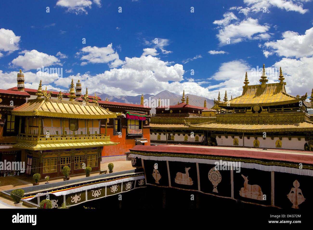 Jokhang Temple, the most revered religious structure, Lhasa, Tibet, China, Asia - Stock Image