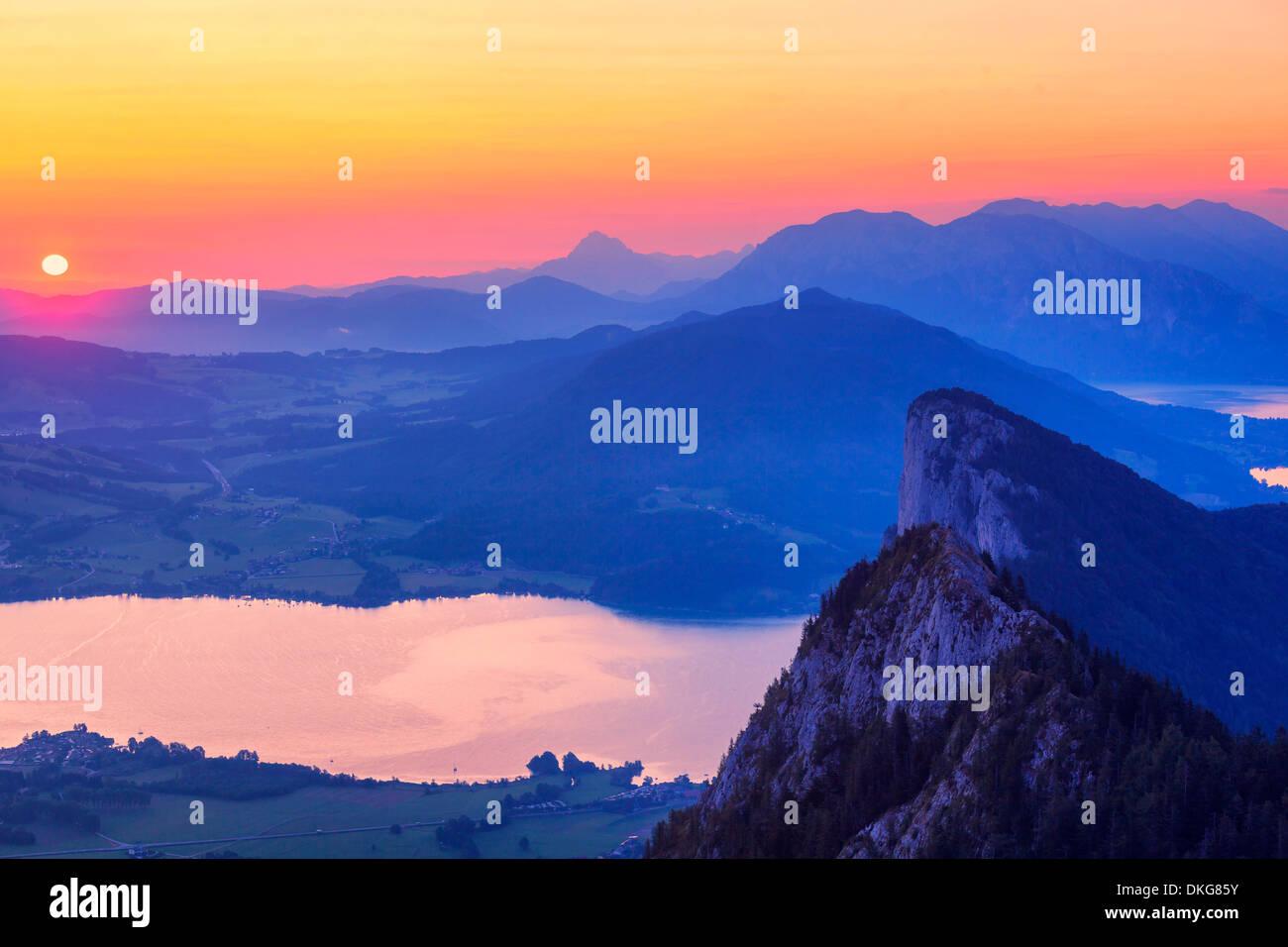 Sunrise over Salzkammergut Mountains and Mondsee, Salzburger Land, Austria, Europe - Stock Image