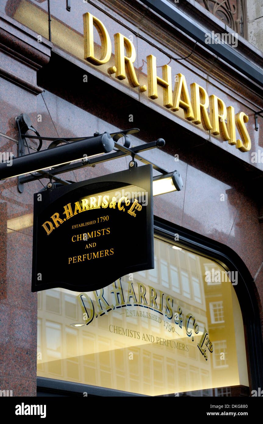 London, England, UK. D R Harris, chemist and perfumers, established 1790, in Piccadilly. - Stock Image