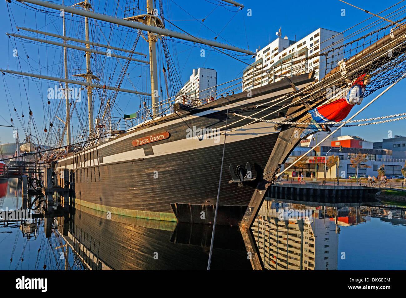 Tall ship and Columbus Center, Alter Hafen, Bremerhaven, Deutschland, Europa Stock Photo