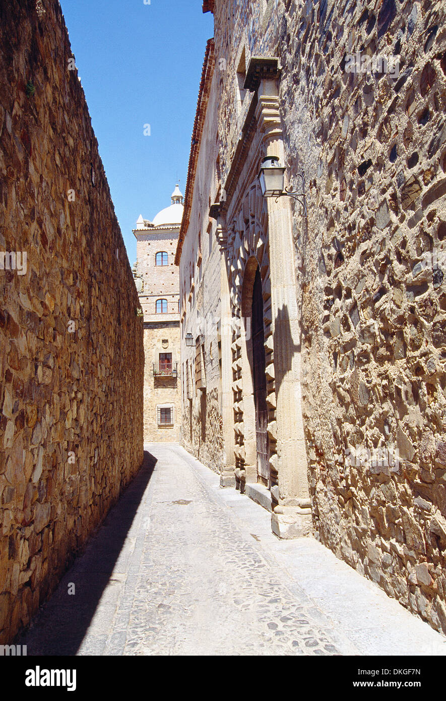 Narrow street in the old town. Caceres, Extremadura, Spain. - Stock Image