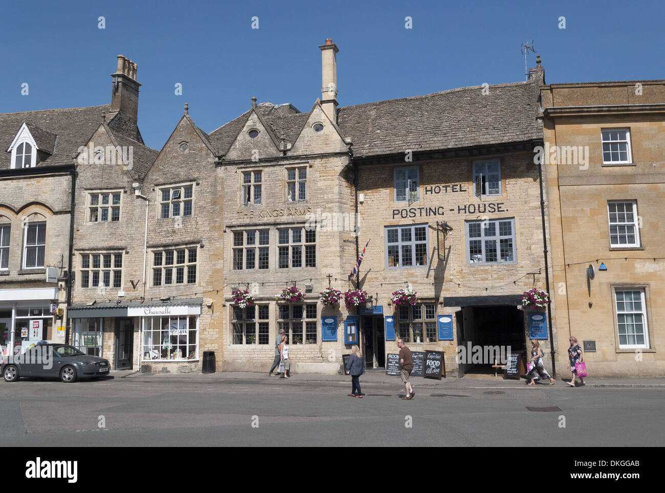 Market Square in the small market town of Stow-On-The-Wold in Gloucestershire, England, UK Stock Photo