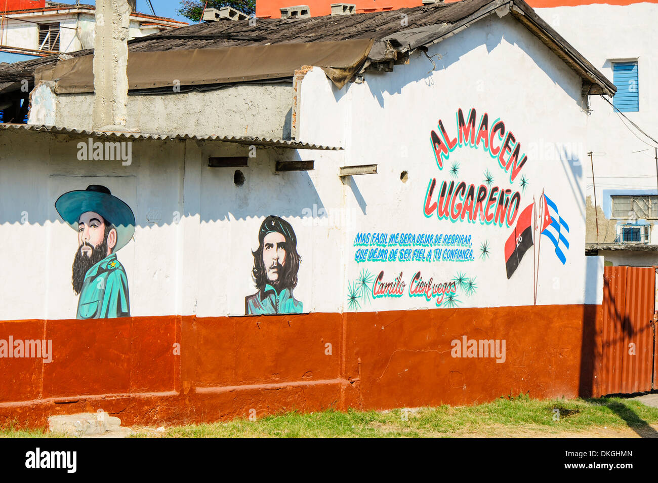 Images of Che Guevara and Fidel Castro at a hut, Havana, Cuba - Stock Image