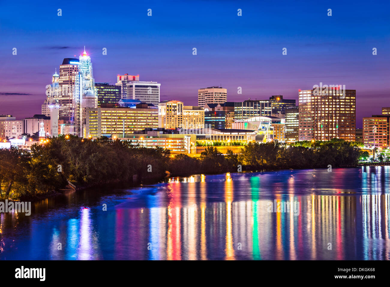 Hartford, Connecticut skyline over the Connecticut River. - Stock Image