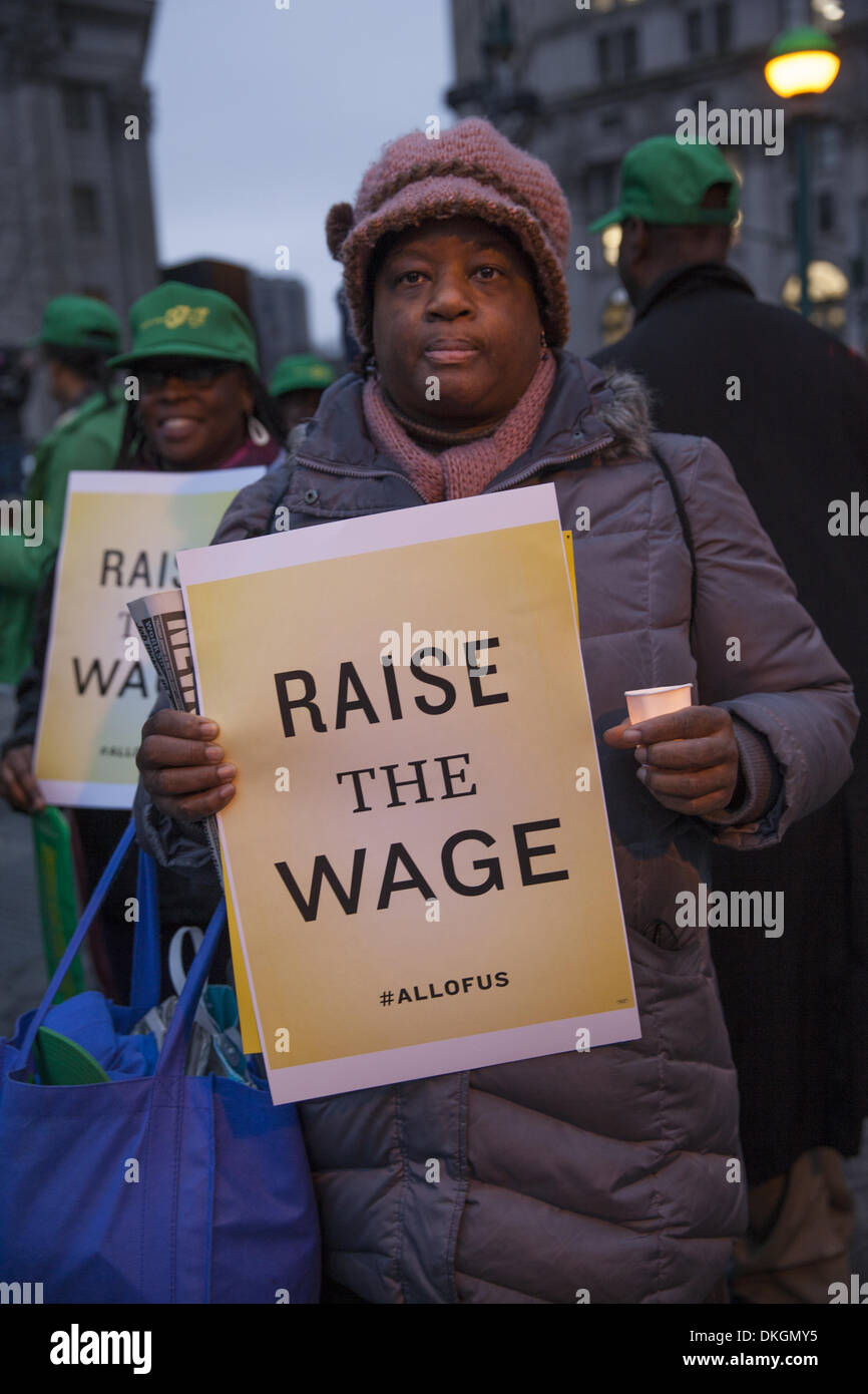 New York, USA. 5th December 2013. Fast Food workers and Unions supporting a living wage for all workers rally and march in New York City to send a message to the incoming Mayor Bill de Blasio administration Credit:  David Grossman/Alamy Live News - Stock Image