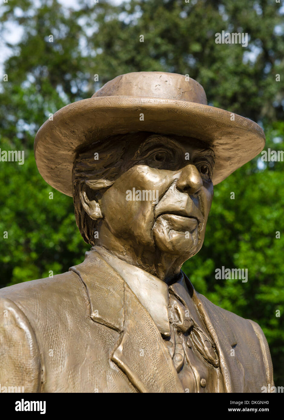 Statue of Frank Lloyd Wright outside Visitor Center, Frank Lloyd Wright Campus, Florida Southern College, Lakeland, Florida, USA - Stock Image
