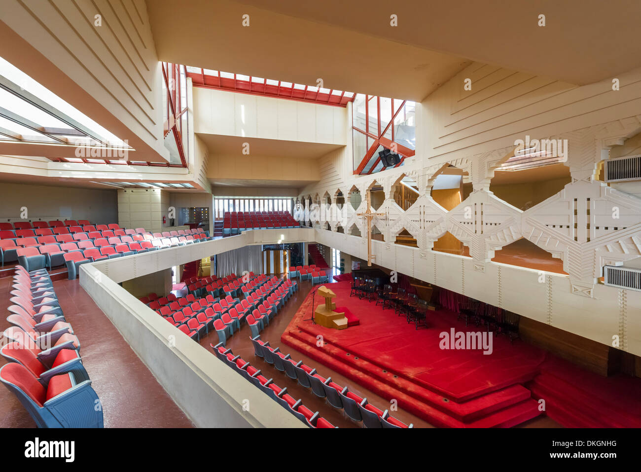 Interior of the Annie Pfeiffer Chapel, Frank Lloyd Wright Campus at Florida Southern College, Lakeland, Florida, USA - Stock Image
