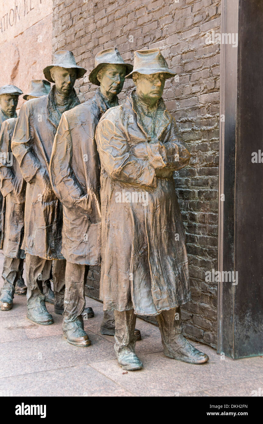 Statue of a Great Depression bread line at the Franklin D. Roosevelt Memorial,  Washington, D.C., USA - Stock Image