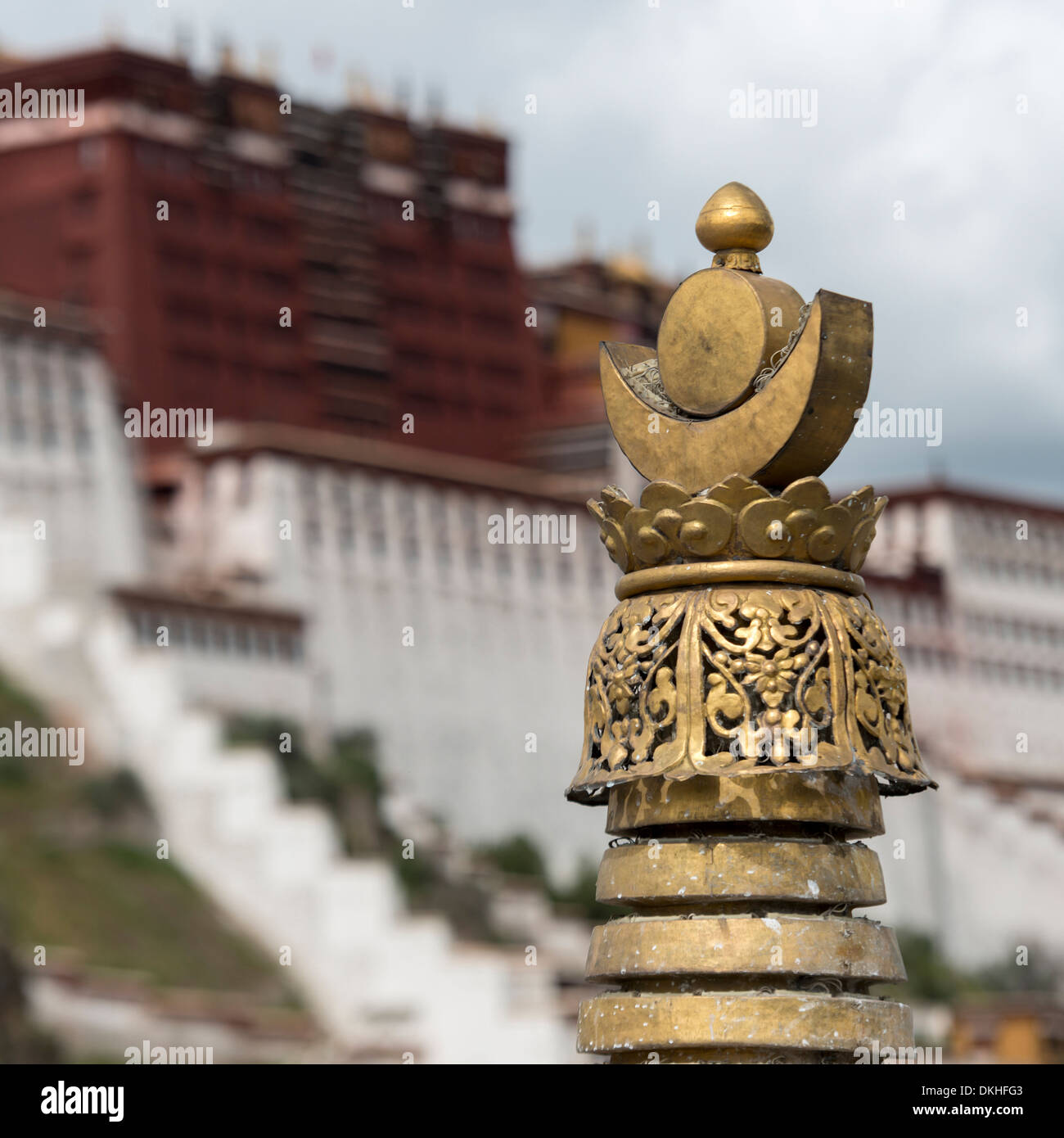 High section view of stupa with Potala Palace in the background, Lhasa, Tibet, China - Stock Image