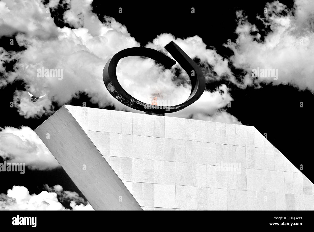 Brazil, Brasilia: Eternal flame of the Pantheon and Memorial Tancredo Neves - Stock Image