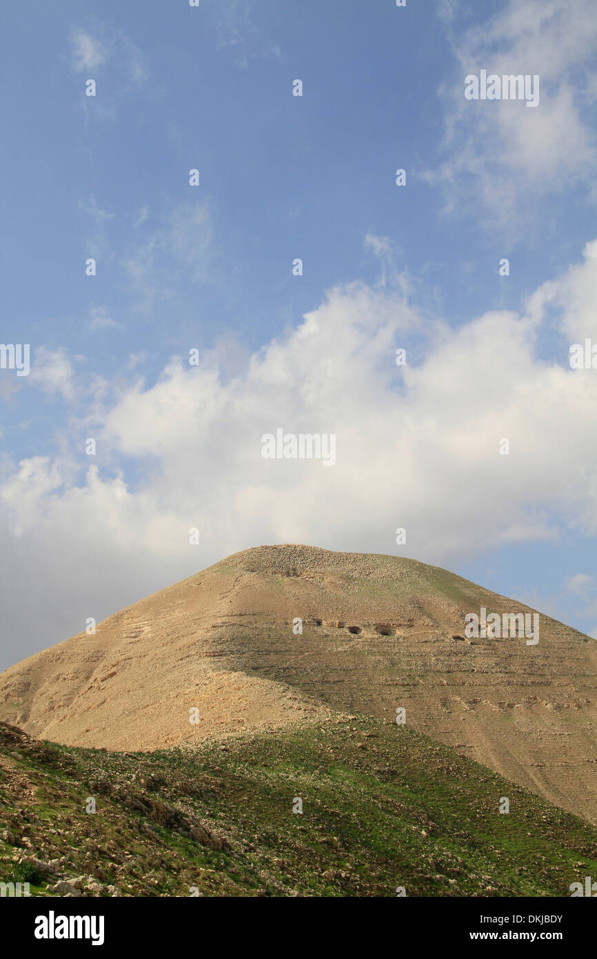 The Horn of Sartaba, site of the Hasmonean fortress Alexandrion (Alexandrium), 650 meters obove the Jordan Valley - Stock Image