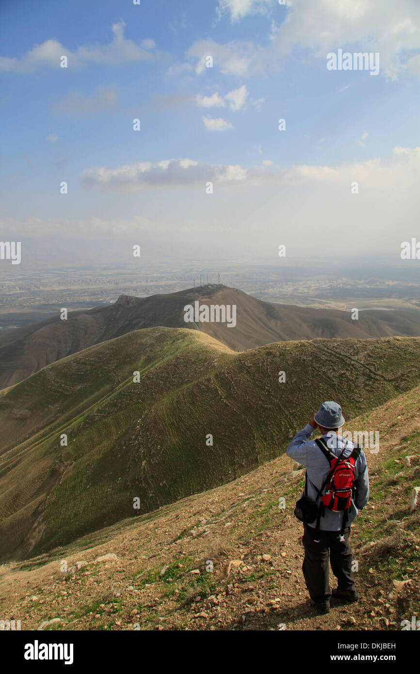 A view of the Jordan Valley from the Horn of Sartaba, site of the Hasmonean fortress Alexandrion (Alexandrium) - Stock Image