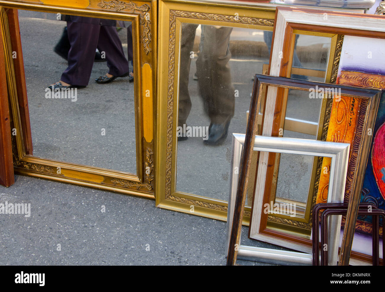 framed mirrors and frames for sale at second hand market in spain