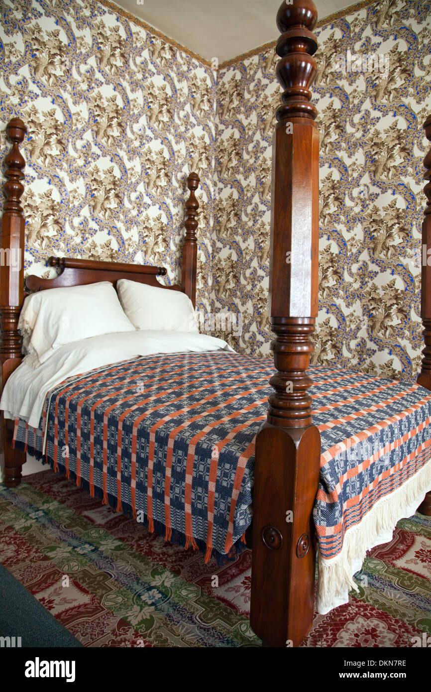 Springfield, IL: Four-poster bed in the master bedroom of Abraham Lincoln's house. - Stock Image