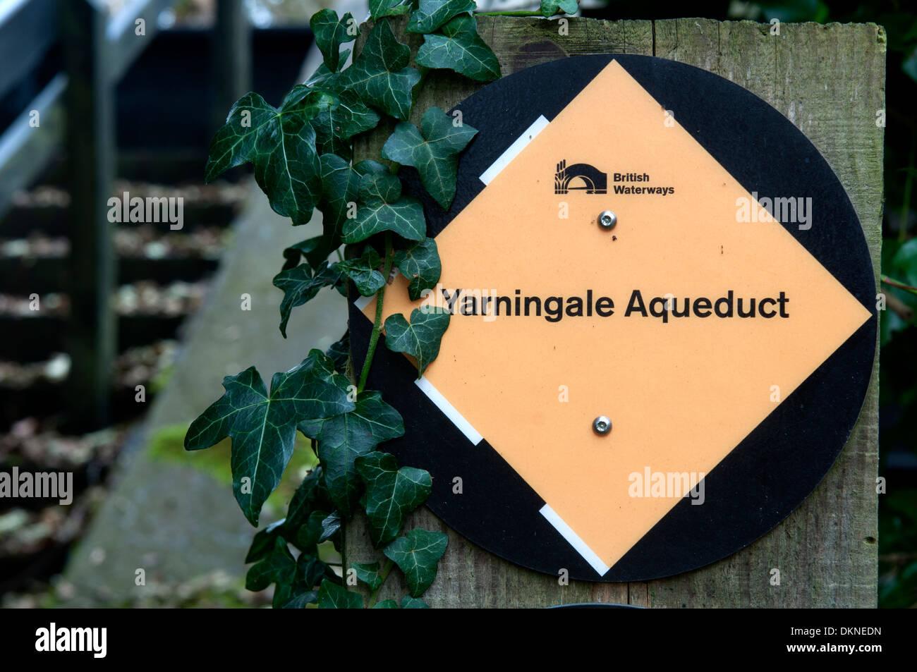 Yarningale Aqueduct sign, Stratford-upon-Avon Canal, Warwickshire, UK - Stock Image