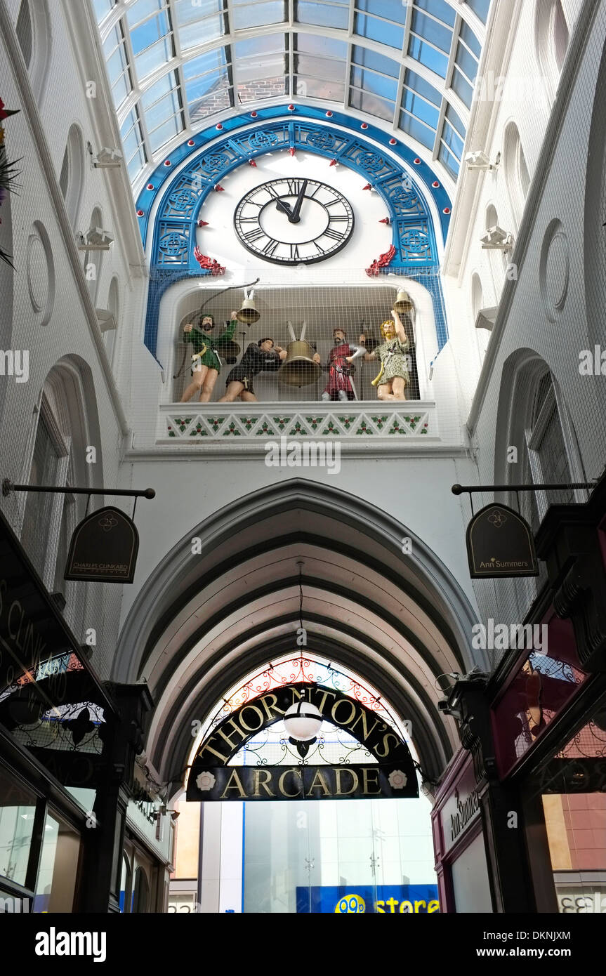 Clock & Chiming bells in Thorntons Arcade, Leeds - Stock Image