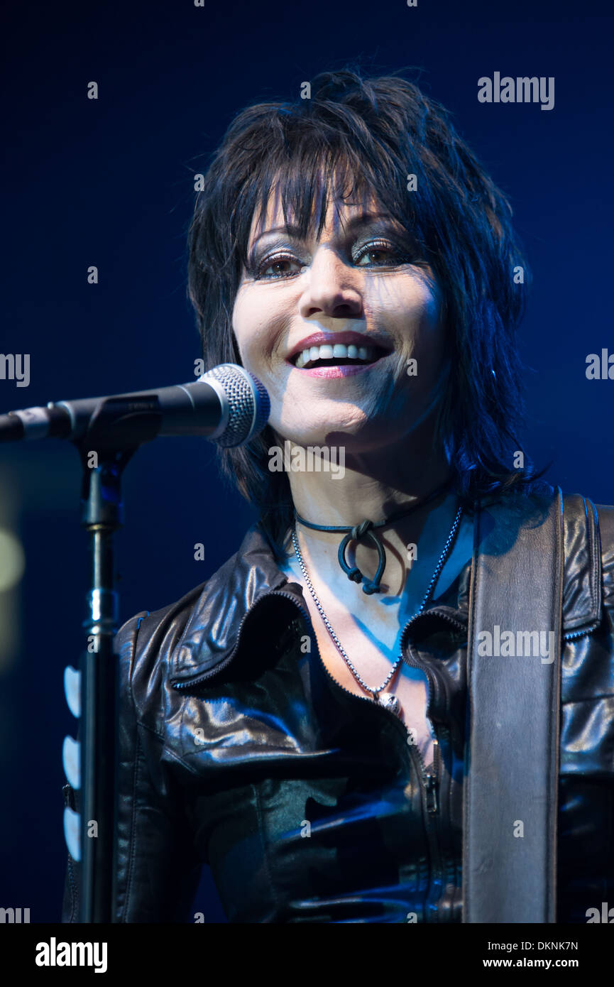 Joan Jett and the Black Hearts perform with Alt-J, Capital Cities, Ms Mr and more at Electric Christmas in Sacramento - Stock Image