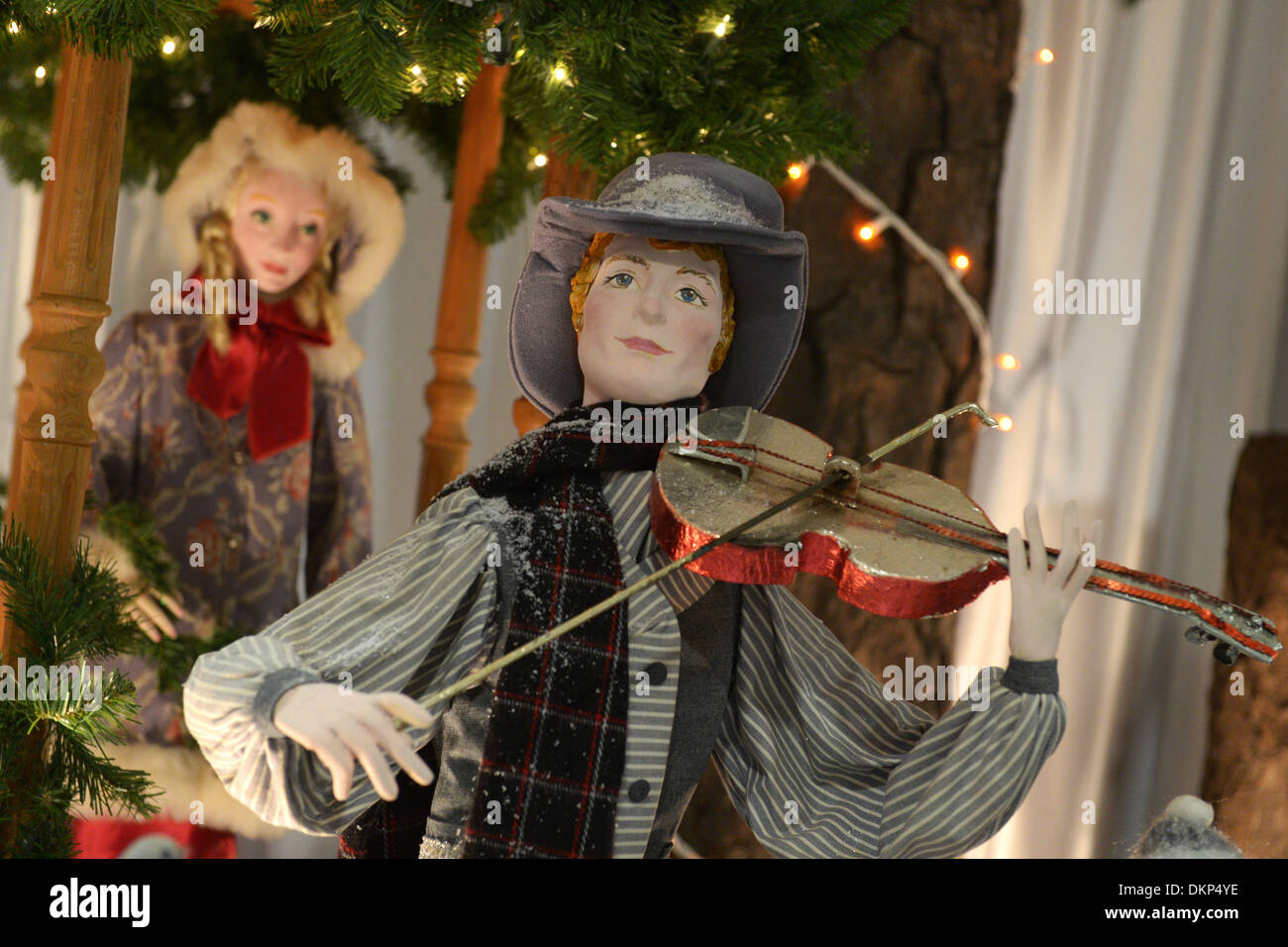 (131208) -- VANCOUVER, Dec. 8, 2013 (Xinhua) -- Photo taken on Dec. 8, 2013 shows Christmas window displays from Stock Photo