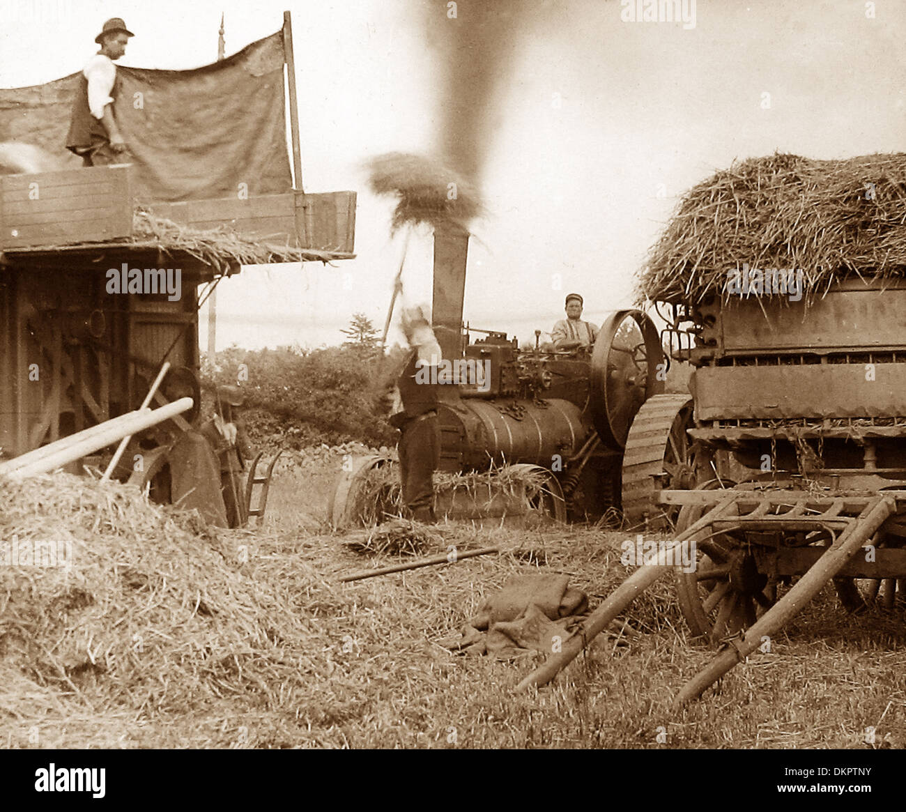 Haymaking with a traction engine early 1900s - Stock Image