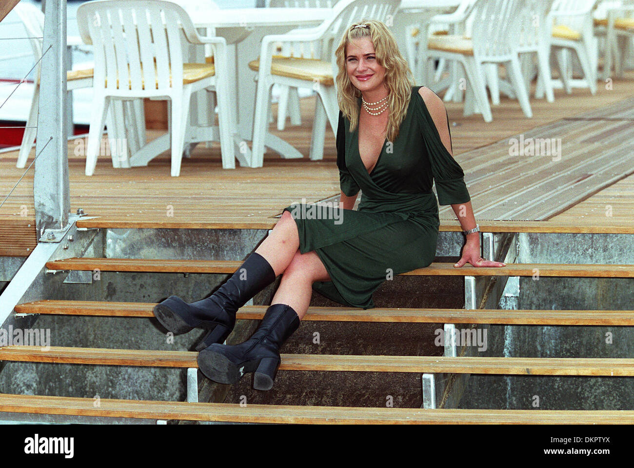 KRISTY SWANSON.ACTRESS.CANNES, FRANCE, EUROPE.10/05/2001.BH47C14C. - Stock Image