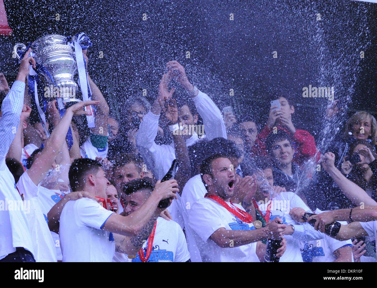 Football, Soccer, sport, Switzerland, cup, Final, trophy, Stade de Suisse, Bern, team, GC, winner, celebration, champagne - Stock Image