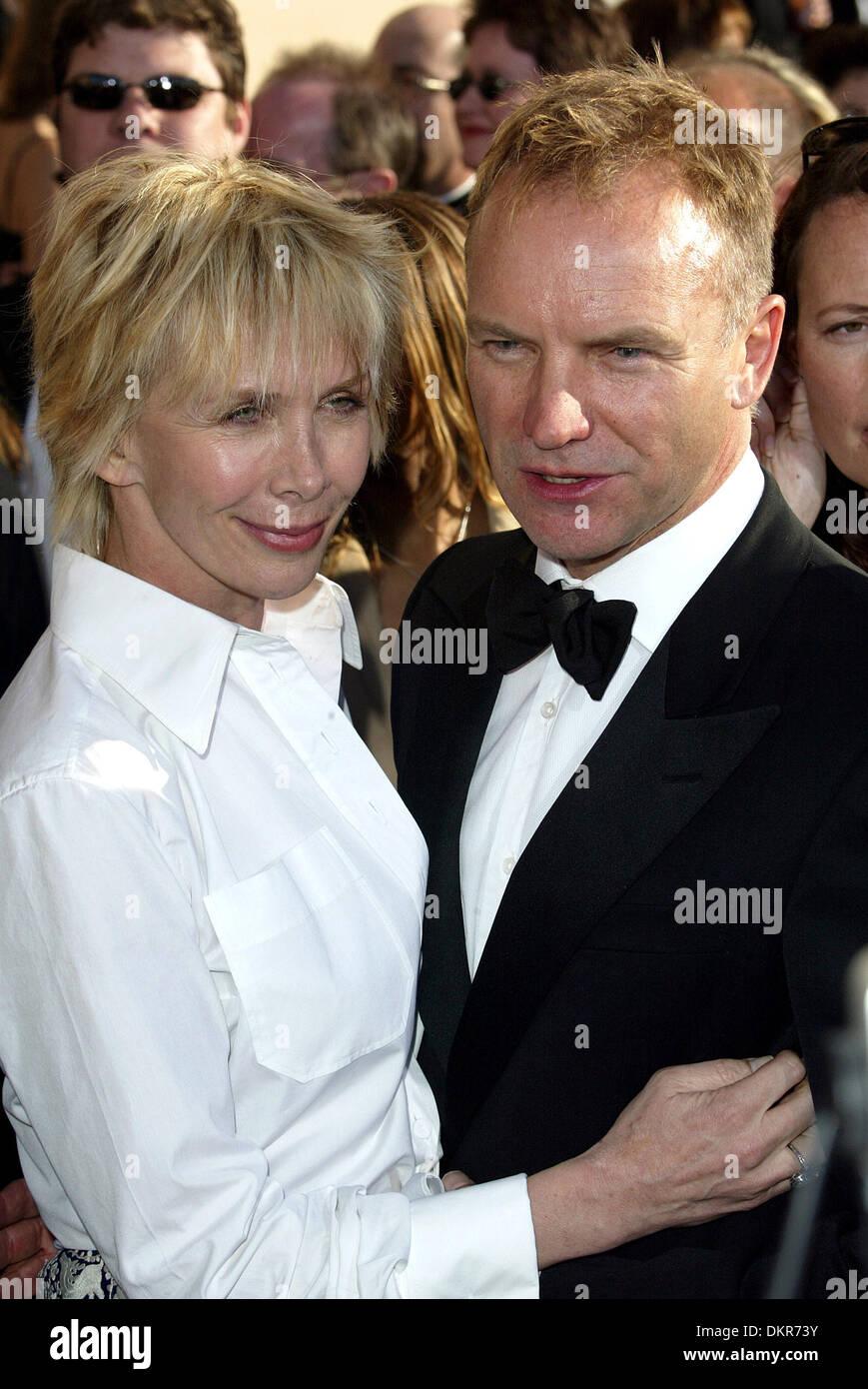 STING & TRUDIE STYLER.SINGER & WIFE.SA.SHRINE THEATRE, LOS ANGELES, U.10/03/2002.LA796 Stock Photo