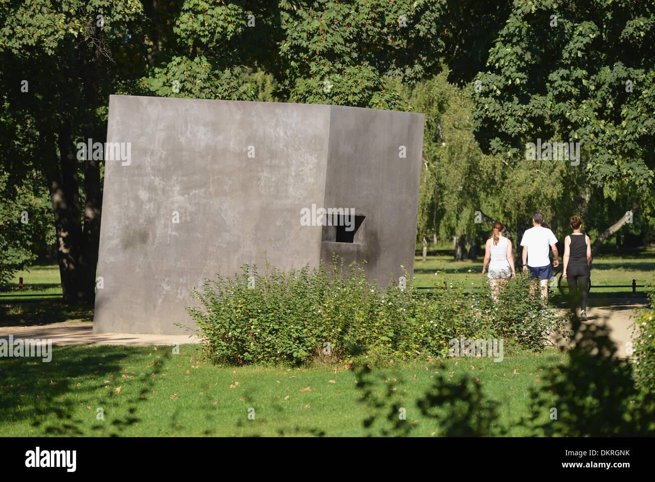 Denkmal für die im Nationalsozialismus verfolgten Homosexuellen, Tiergarten, Berlin, Deutschland Stock Photo