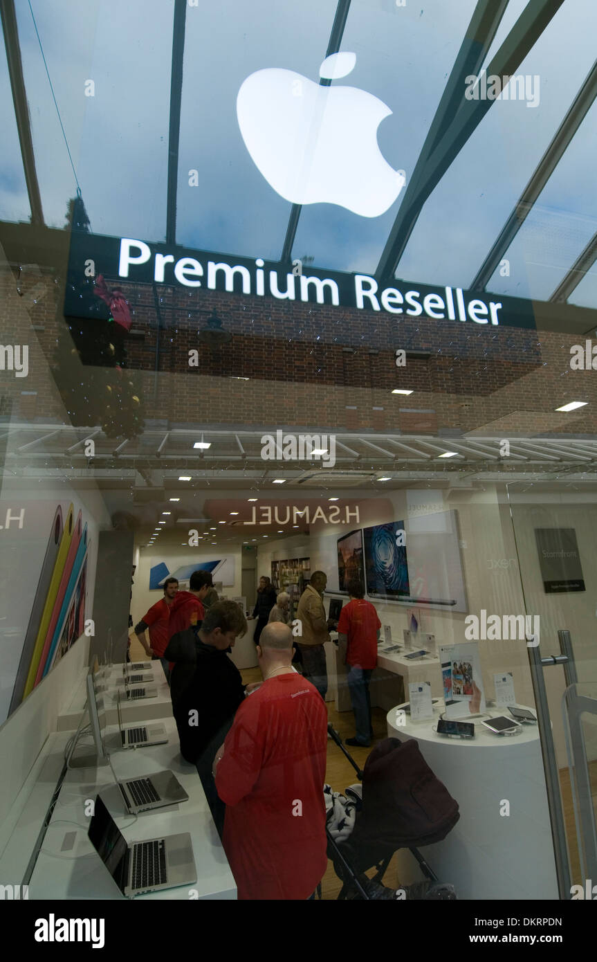 apple reseller computer computers stores expert experts stores iphone i phone retail retailer retailers approved i pod ipod ipad - Stock Image