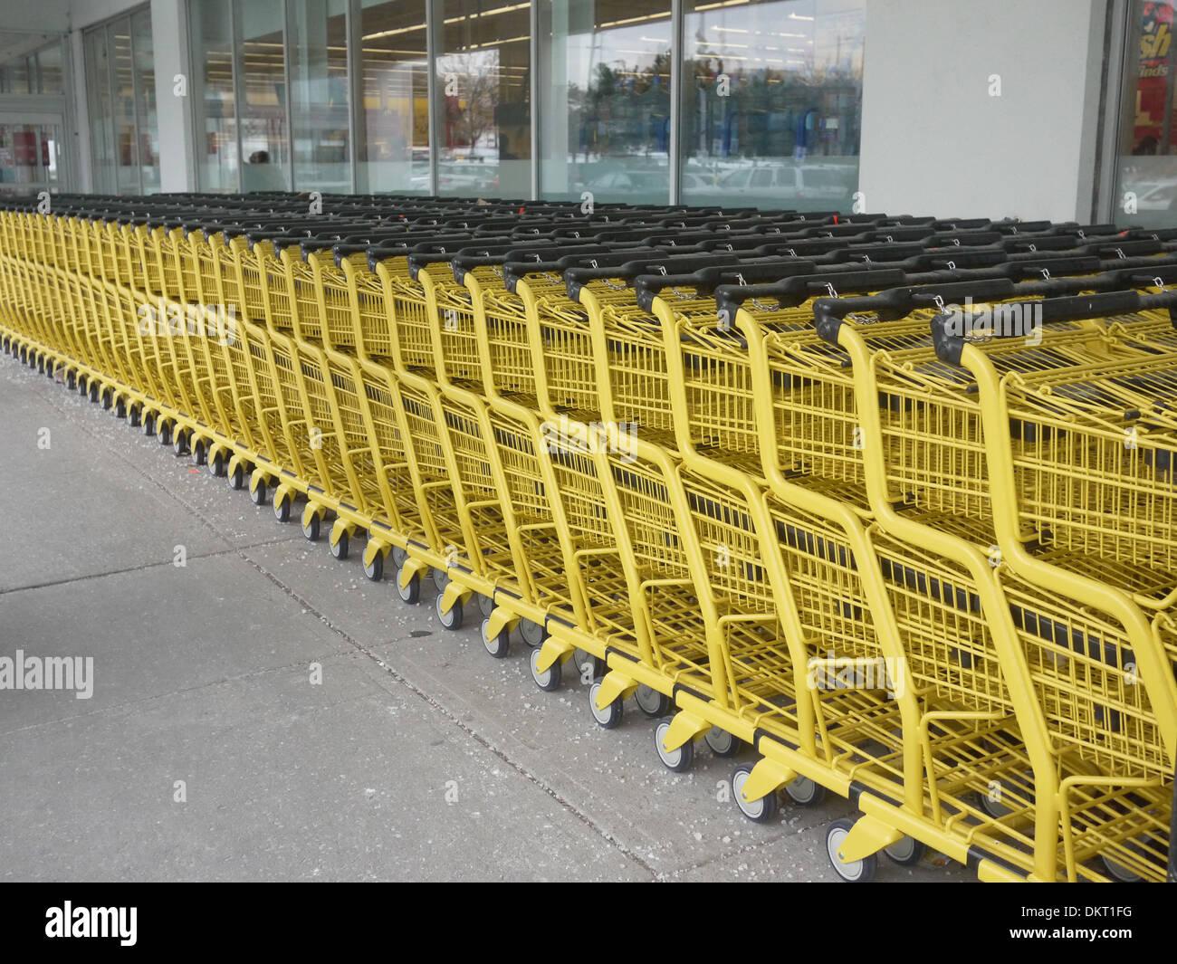 supermarket trolley - Stock Image