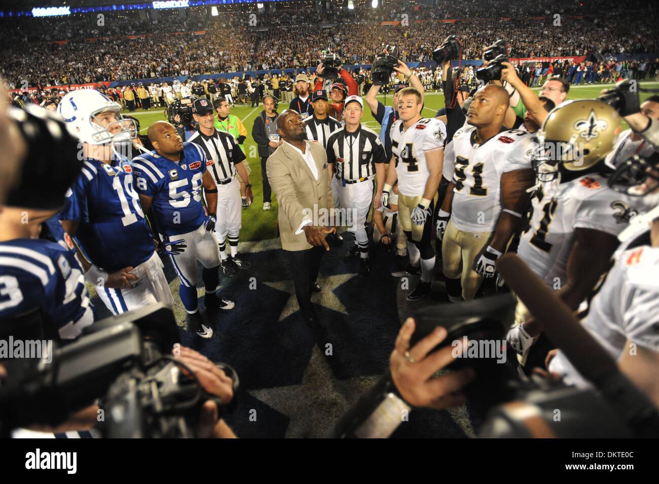 Feb 07, 2010 - Miami Gardens, Florida, USA - University of Florida alumni and NFL star Emmett Smiith does the coin flip at the start of Super Bowl XLIV at Sun Life Stadium. (Credit Image: © Jim Rassol/Sun-Sentinel/ZUMApress.com) RESTRICTIONS: * U.S. Tabloids Rights OUT * - Stock Image