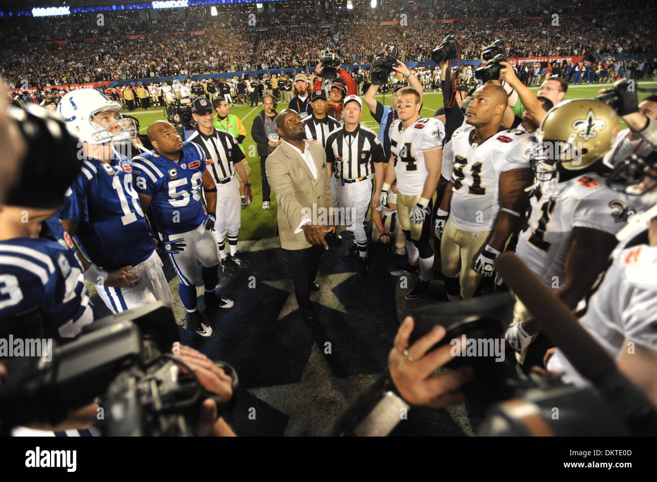 Feb. 07, 2010 - Miami Gardens, Florida, USA - University of Florida alumni and NFL star EMMETT SMIITH does the coin flip at the start of Super Bowl XLIV at Sun Life Stadium. (Credit Image: © Jim Rassol/Sun-Sentinel/ZUMApress.com) - Stock Image