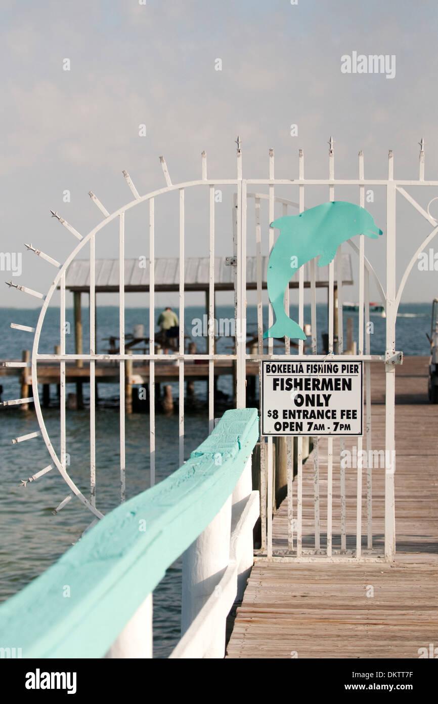 Fence on fishing pier in bokeelia florida facing for Bokeelia fishing pier