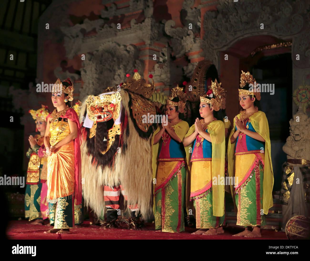 Traditional dances in Ubud Palace, Ubud, Bali, Indonesia - Stock Image