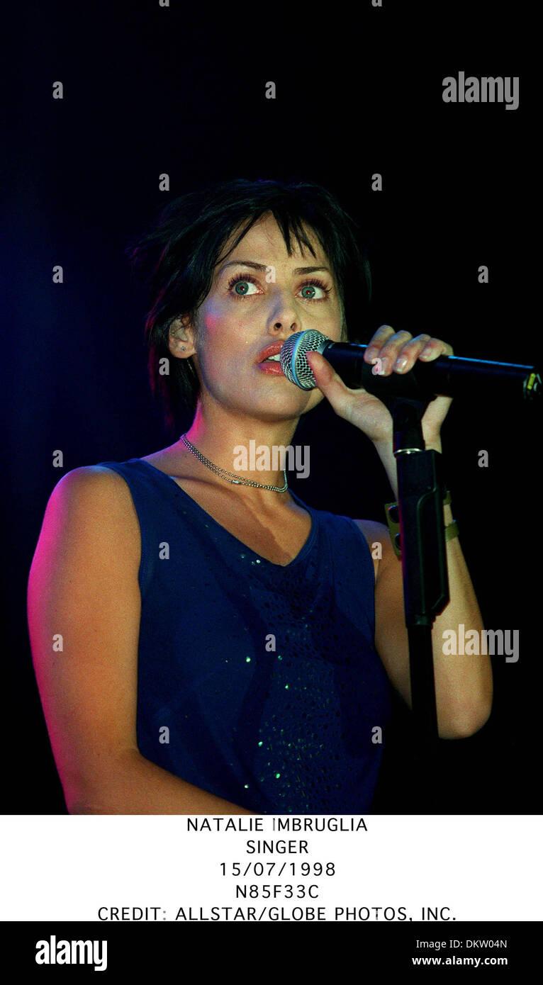 NATALIE IMBRUGLIA.SINGER.15/07/1998.N85F33C. - Stock Image