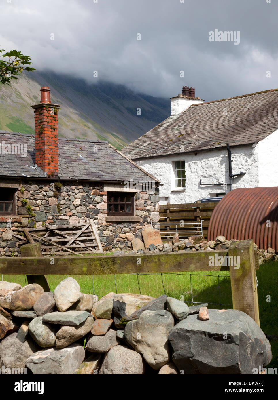 Traditional Lakeland stone farm, Wasdale Head, the Lake District, Cumbria, England. - Stock Image