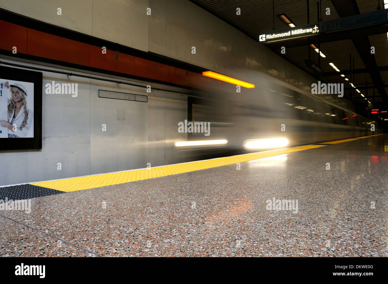 BART Train Arriving at Underground Station in Oaklnd - Stock Image