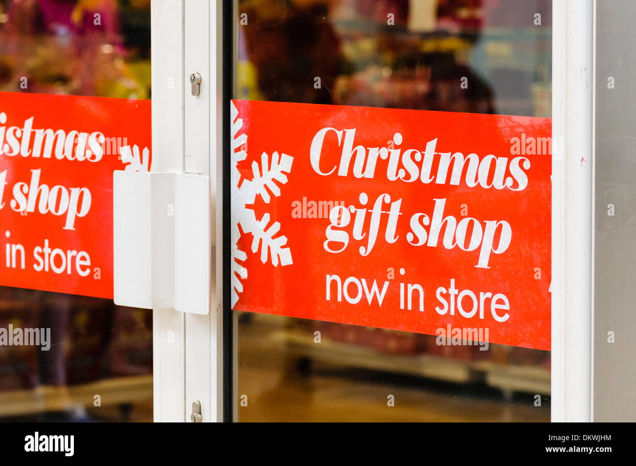 Christmas Gift Shop now in store sign Stock Photo: 63872976 - Alamy