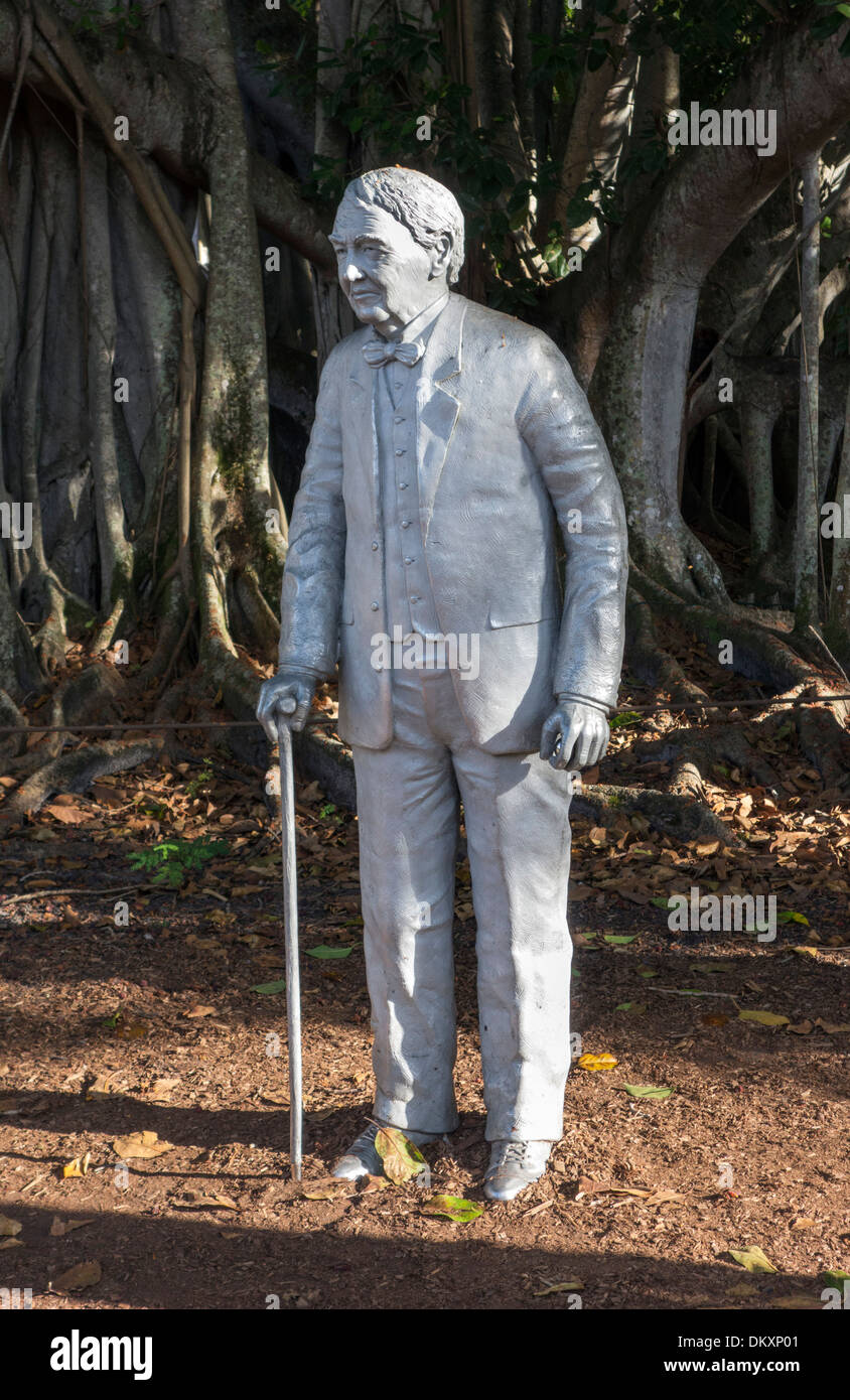Statue of Thomas Edison by the Banyan Tree at the Edison and Ford Winter Estates, Fort Myers, Florida, USA - Stock Image