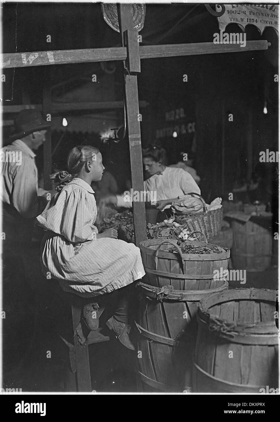 'Radishes5E Penny a bunch' Boys and girls sell all day until 11 P.M. Cincinnati, OH 523071 - Stock Image