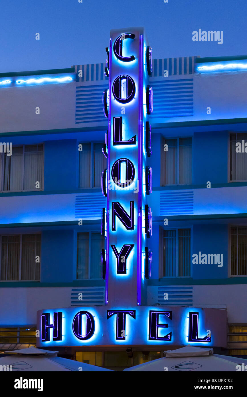 Neon sign at night outside the art deco Colony Hotel, Ocean Drive, South Beach, Miami Beach, Florida, USA - Stock Image