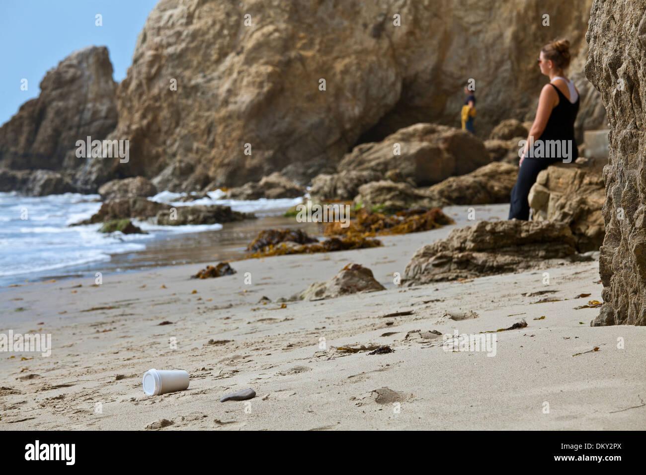 Discarded coffee cup on El Matador State Beach, Malibu, Los Angeles County, California - Stock Image