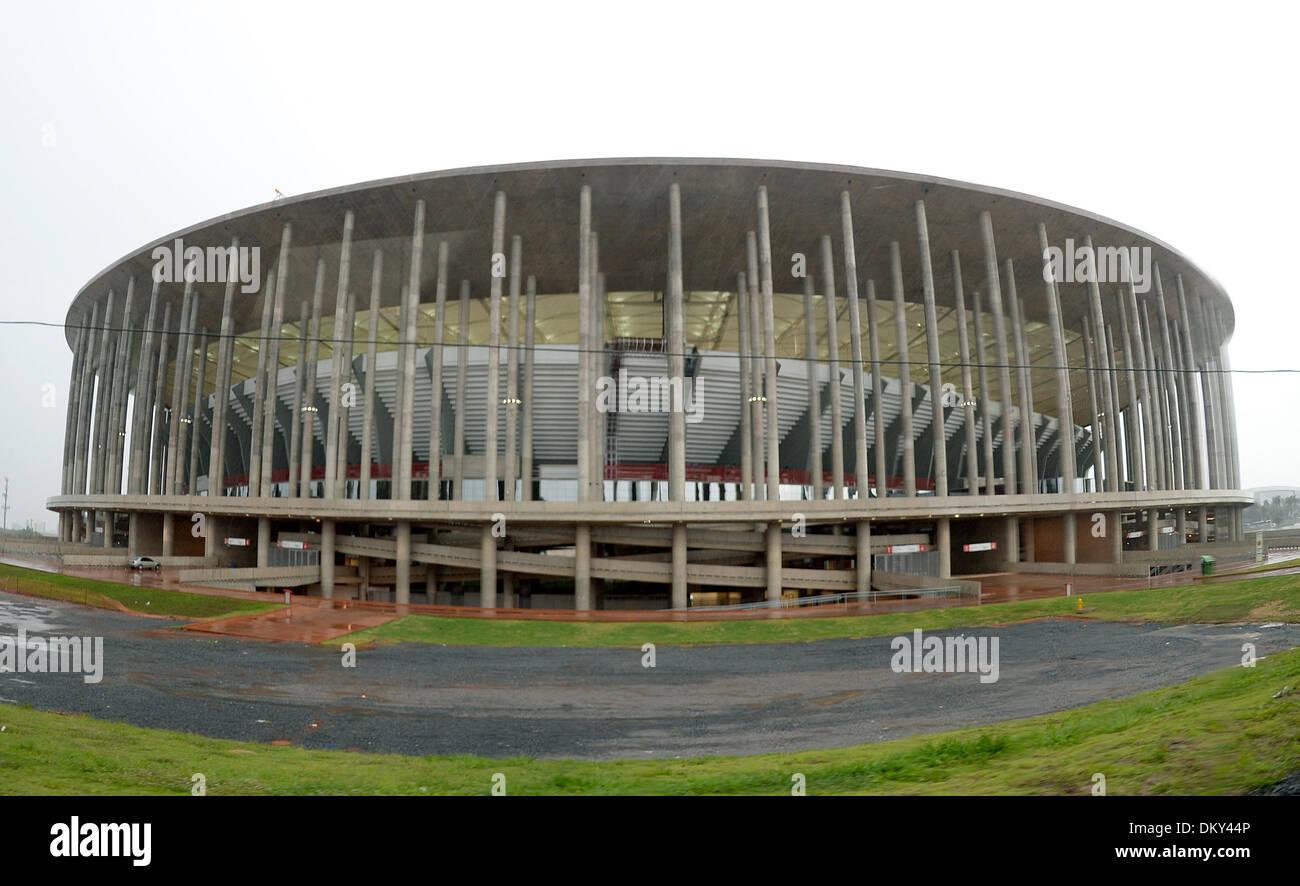 Das «Stadion Nacional Mane Garrincha», aufgenommen am 09.12.2013 während eines Stadionrundgangs in der brasilianischen Hauptstadt Brasilia. Das Estadio Nacional Mane Garrincha ist eines der Stadien während der Fußball-Weltmeisterschaft 2014 in Brasilien. Foto: Marcus Brandt/dpa - Stock Image